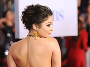 Vanessa Hudgens wore her cropped 'do in an adorable disordered style at the 2012 People's Choice Awards.