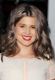 Kelly Osbourne brightened up her look with a true red lipstick at the 2012 People's Choice Awards.