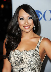 Cheryl Burke wore her soft curls in a pretty side-swept style at the 2012 People's Choice Awards.