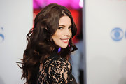 Ashley Greene wore her dark tresses in shiny loose curls at the 2012 People's Choice Awards.