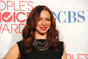 Maya Rudolph wore a glass pearl, Swarovski crystal and Russian and gunmetal plated filigree torsade necklace to the 2012 People's Choice Awards.