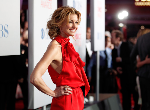 More Pics of Faith Hill Red Nail Polish (1 of 6) - Faith Hill Lookbook - StyleBistro