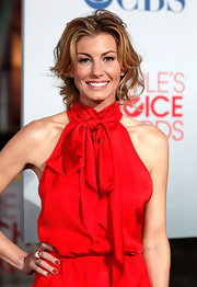 Faith Hill matched her red nails to her chic red jumpsuit at the 2012 People's Choice Awards.