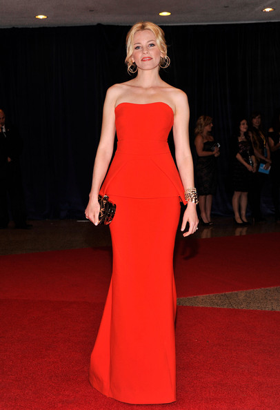 Elizabeth Banks in Antonio Berardi