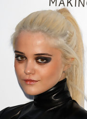 Sky Ferreira wore a dramatic application of black shadow and eye liners for the amfAR Cinema Against AIDS event.