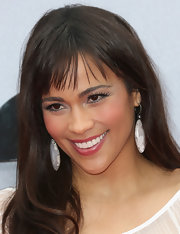 Paula kept her red carpet look simple and chic and opted for a straight 'do that showed off her fringed bangs.