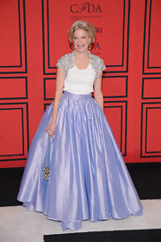 Julie Macklowe opted for a full princess-style skirt in a soft lavender hue.