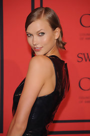 Karlie Kloss showed that short hair can totally be sexy when she rocked this sleek bob.