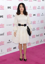 Salma Hayek opted for a long-sleeved, classic belted frock at the Independent Spirit Awards.