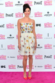 Aubrey Plaza was feminine and flirty in a floral embellished day dress at the Independent Spirit Awards.