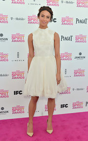 Stella Maeve kept her look simple and elegant at the Independent Spirit Awards with these nude pumps.