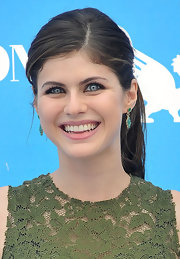 Alexandra's soft pink lips looked natural and  minimal on the actress.