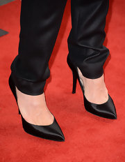 Toni Collette chose a pair of simple yet elegant black satin pointy pumps to complete her red carpet look during the premiere of 'The Way, Way Back.'