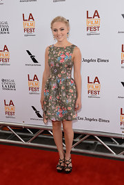 Annasophia Robb finished off her fab ensemble with a pair of strappy black platform sandals.