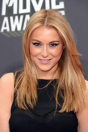 Alexa Vega opted for an electric blue liner and shadow for her slightly edgy red carpet look.