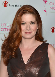 Debra Messing's lovely red locks looked totally glamorous and chic when styled into side-parted waves.