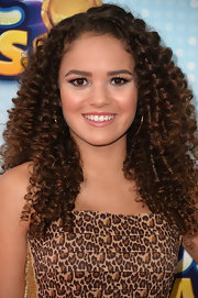Madison Pettis rocked a naturally curly 'do at the Radio Disney Music Awards.