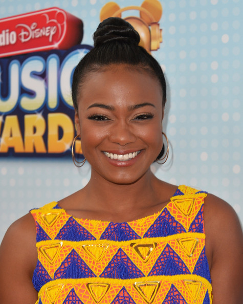 More Pics of Tatyana Ali Print Dress (4 of 7) - Tatyana Ali Lookbook - StyleBistro