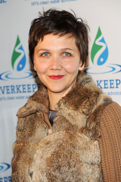 More Pics of Maggie Gyllenhaal Knee Length Skirt (1 of 4) - Knee Length Skirt Lookbook - StyleBistro