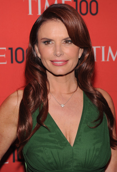 More Pics of Roma Downey Long Wavy Cut (4 of 4) - Long Wavy Cut Lookbook - StyleBistro