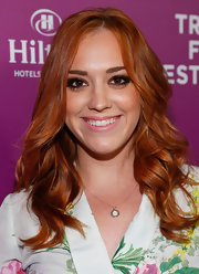 Andrea Bowen's soft pink lips were a great addition to her barely-there beauty look.