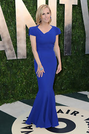Tory Burch opted for a fitted blue gown for her Oscars look at the Vanity Fair party.