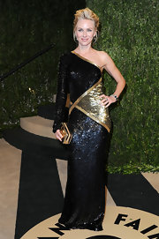 Naomi Watts was all about the shoulder this Oscar season. The star opted for a one-shouldered black and gold gown at the Vanity Fair Oscar party.