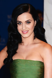 Katy Perry's jet black hair looked lovely when styled into this retro-inspired 'do.