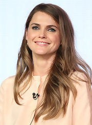 Keri Russell looked oh-so-pretty at the 2013 Winter TCA Tour with this long side-parted 'do.