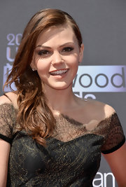 Aimee chose a dramatic side sweep for her red carpet look at the Young Hollywood Awards.