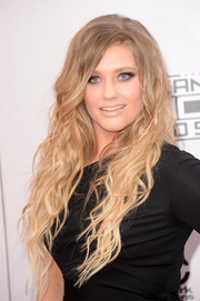 Ella Henderson rocked long mermaid waves during the American Music Awards.