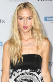 Rachel Zoe attended the Baby2Baby Gala wearing a center-parted 'do with edgy waves.