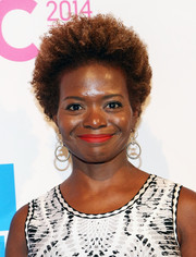 Lachanze kept it natural with this short curly 'do at the Billboard Women in Music luncheon.