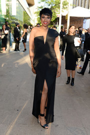 Jennifer Hudson teamed her sophisticated dress with black ankle-cuff sandals.