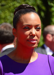 Aisha Tyler pulled her locks up into a tight, high bun for the Creative Arts Emmy Awards.