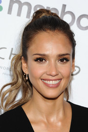 Jessica Alba wore her hair in a high ponytail for the 2014 Global Citizen Festival.
