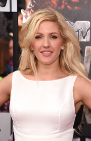 Ellie Goulding topped off her look with mussed-up waves when she attended the MTV Movie Awards.