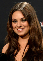 Mila Kunis kept it classic with this loose, center-parted style at the 2014 MTV Movie Awards.