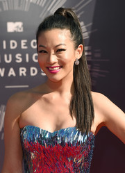 Arden Cho pulled her hair back into an edgy high ponytail for the 2014 VMAs.