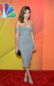 Sophia Bush flaunted her fab physique in a body-con gray off-the-shoulder dress by Cushnie et Ochs at the NBC Upfront Presentation.