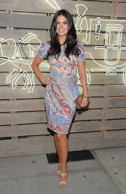 Katie Lee sported a lovely mix of summer colors in this printed sheath during the Coach party.