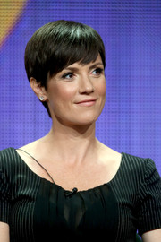 Zoe McLellan sported a casual short 'do at the 2014 Summer TCA Tour.