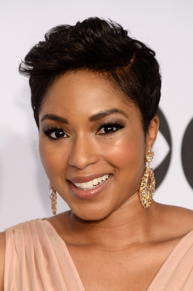 Alicia Quarles sported a teased side-parted short 'do at the Tony Awards.