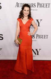Lauren Worsham showed some curves in this floor-grazing red bandage dress at the Tony Awards.