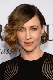 Vera Farmiga was retro-glam with her twisty curls during the Tony Awards.