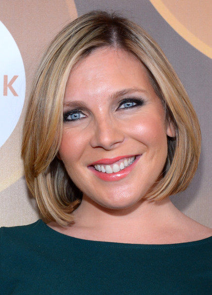 June Diane Raphael sported a sleek bob at the Variety Breakthrough Awards.
