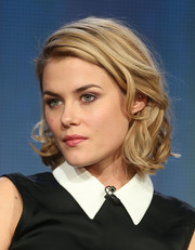 Rachael Taylor looked sweet and chic with her short curly 'do at the 2014 Winter TCA Tour.