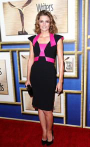 Stana Katic looked sassy in her pointy-shouldered black and hot-pink Rubin Singer sheath at the Writers Guild Awards.