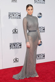 Hannah Davis jumped in on the sheer bandwagon with this gray Naeem Khan number at the American Music Awards.