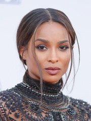 Ciara kept it simple with this low, center-parted ponytail at the American Music Awards.